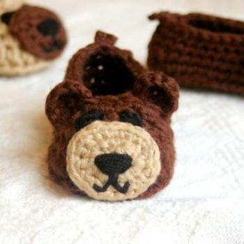 Bear House Slippers crochet pattern Pattern number 102